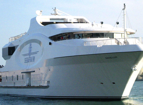 222′ Foot – 600 Guest Capacity